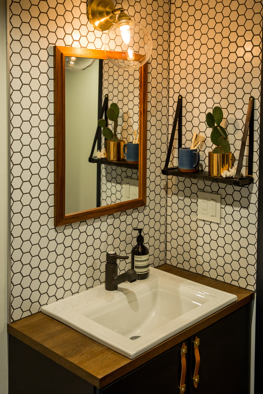 11_bathroom-sink01